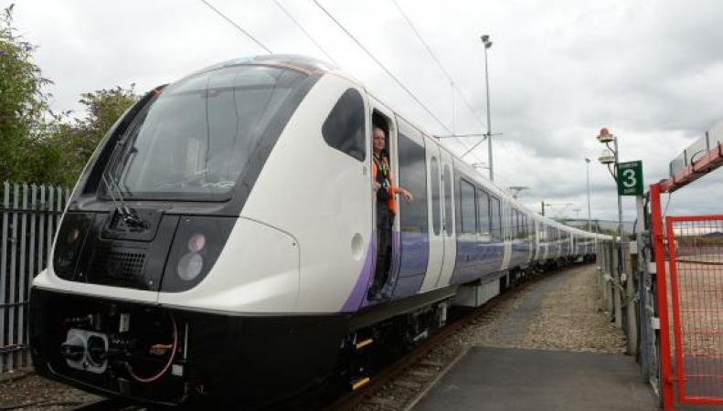 Bombardier провел презентацию скоростных электричек для линии Crossrail   фото:standard.co.uk