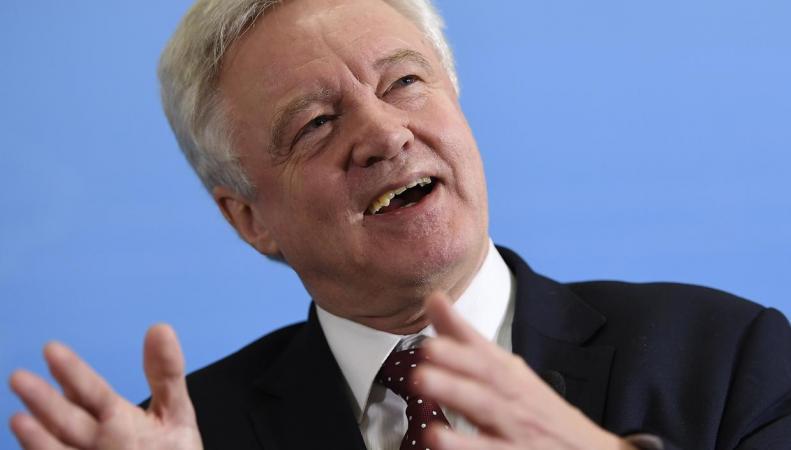 Британское правительство прикажет парламенту голосовать против поправок к Биллю о Брекзите фото:independent