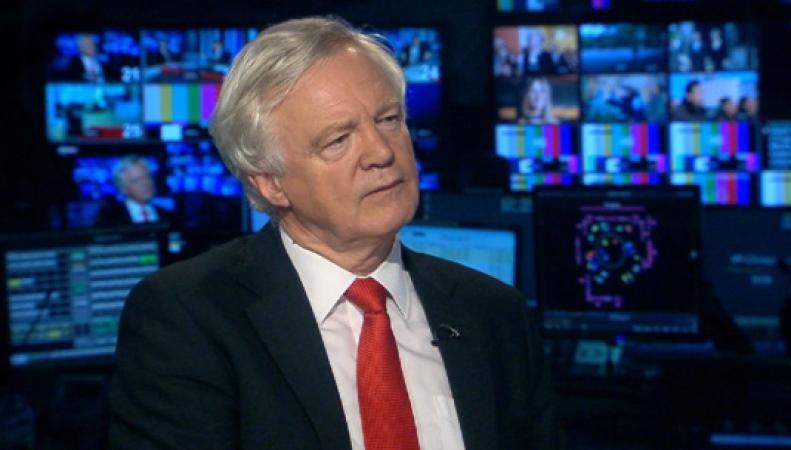 Великобритания депортирует недавно прибывших мигрантов из ЕС, - Дэвид Дэвис