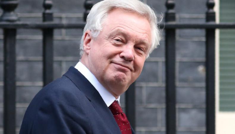 Вопрос об отступных не будет решен до самого выхода из ЕС,- Дэвид Дэвис фото:politico