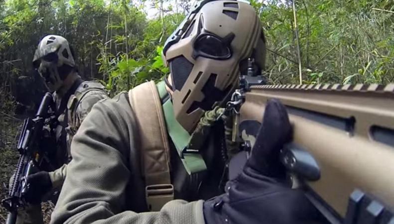 Британский спецназ получил шлемы в стиле «Звездных войн» фото:standard.co.uk