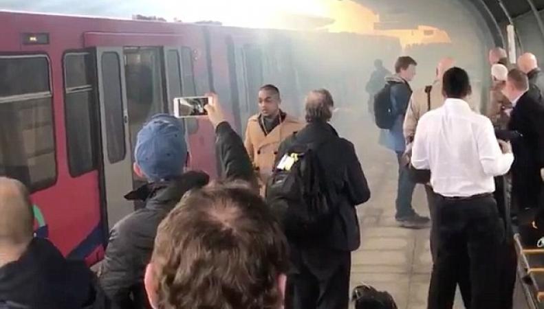 В поезде Доклендского метро произошел взрыв