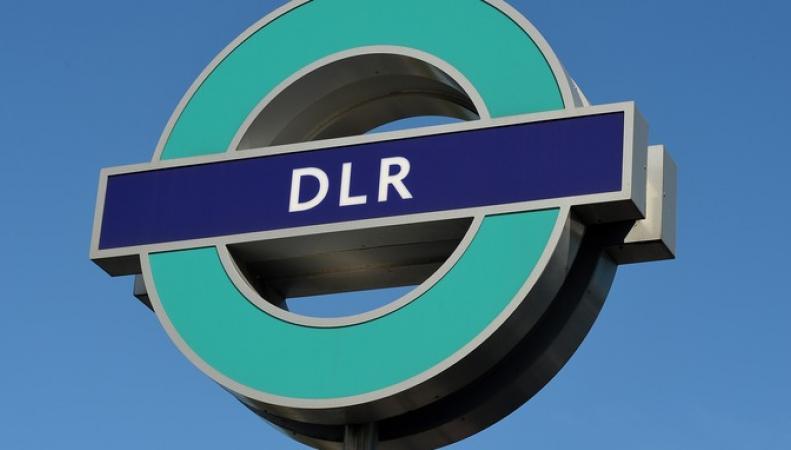 Доклендское метро остановилось на два дня