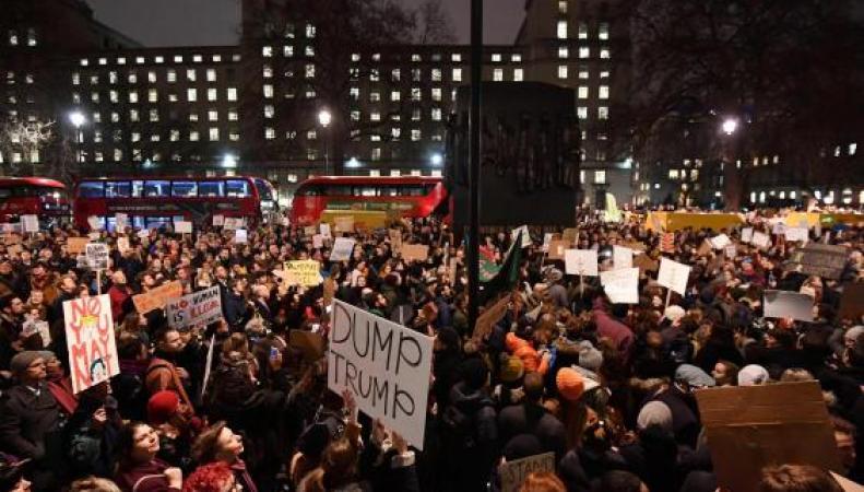 В Лондоне состоится новый марш протеста против государственного визита Дональда Трампа фото:standard.co.uk