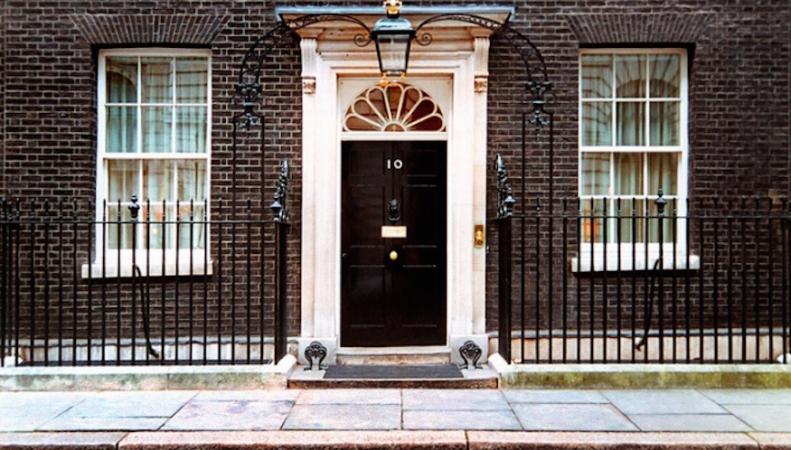 Секреты Даунинг-стрит 10: Малоизвестные факты о резиденции премьер-министра фото:londonist.com