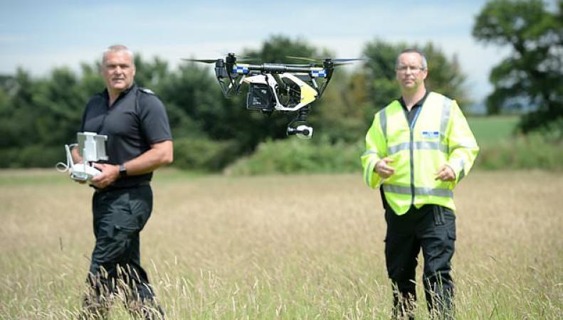Отряд дронов выведен на подмогу полиции в южных графствах Англии
