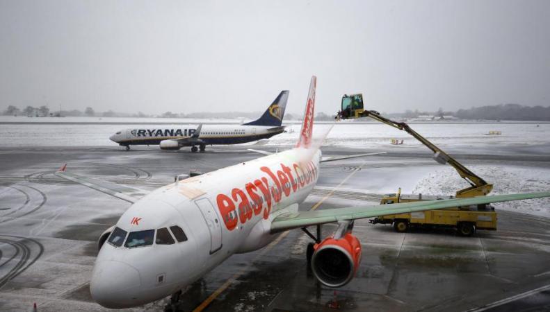 В лондонских аэропортах вынужденно заночевали сотни путешественников