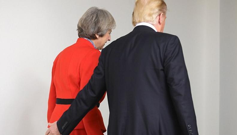 Администрация Даунинг-стрит 10 отказалась отменять визит Трампа в Лондон фото:dailymail.co.uk