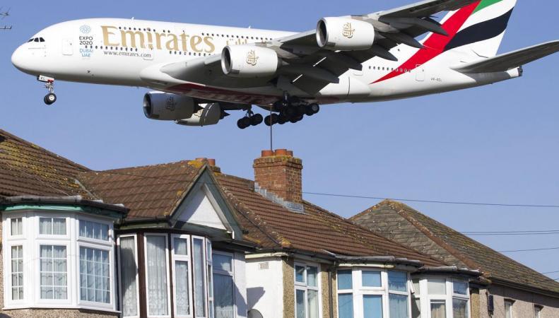 Аэропорт Хитроу анонсировал публичные консультации по вопросу третьей взлетной полосы