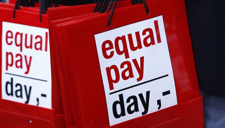 Британские женщины до Нового года будут работать бесплатно
