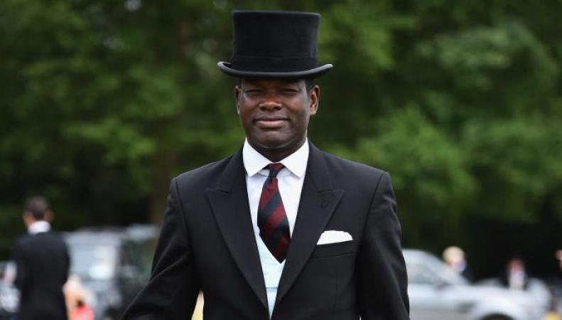 Ближайшим помощником британского монарха впервые принят чернокожий офицер  фото:thetimes