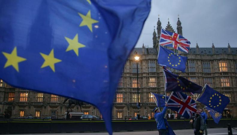 Тереза Мэй сдала позиции в споре с ЕС о правах мигрантов