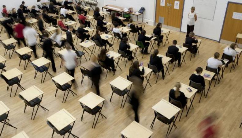 В Великобритании произошла утечка заданий к выпускному экзамену по математике