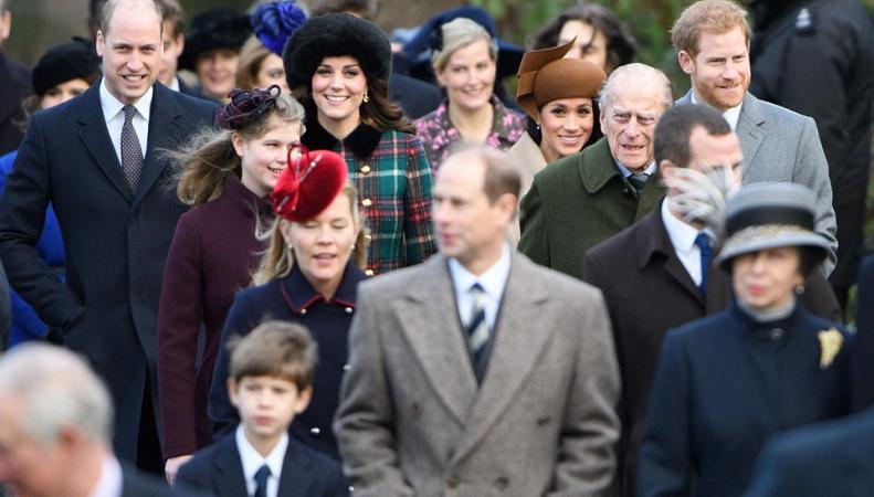 Королевская семья посетила Рождественскую мессу в Сандрингеме