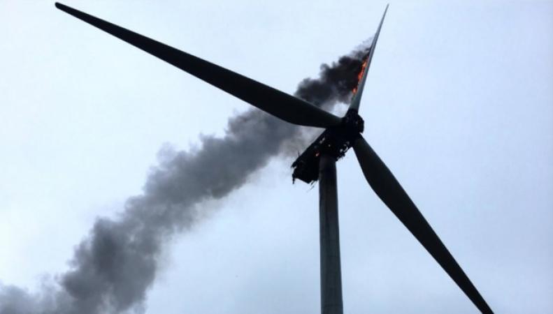 В Кембриджшире сгорела турбина ветряной электростанции