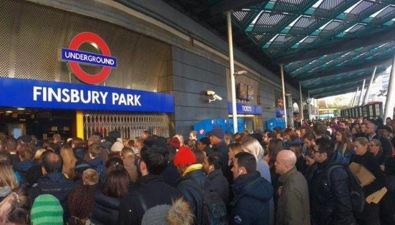 Профсоюз потребовал временного закрытия линии метро Piccadilly Line фото:standard.co.uk