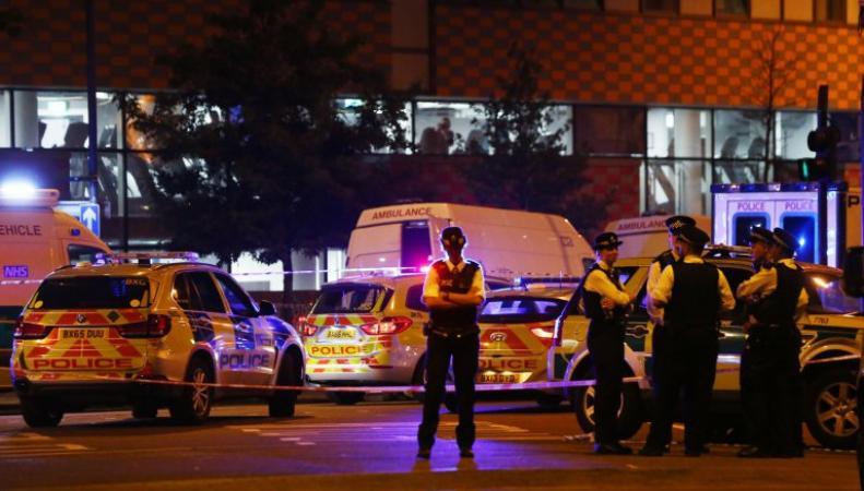 Наезд на пешеходов у лондонской мечети официально признан терактом