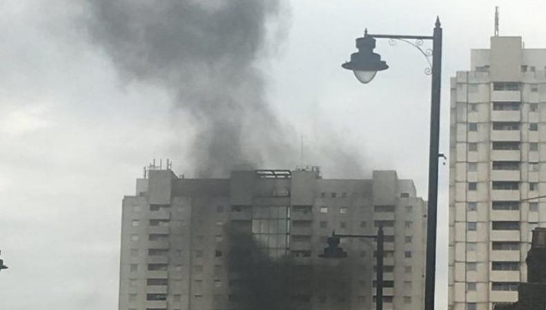 На севере Лондона разгорелся пожар в многоэтажном жилом доме