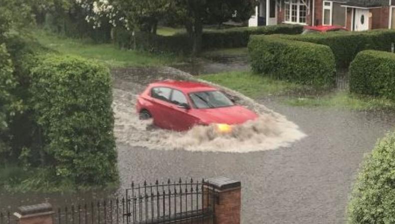 Во многих районах Англии объявлена угроза наводнения