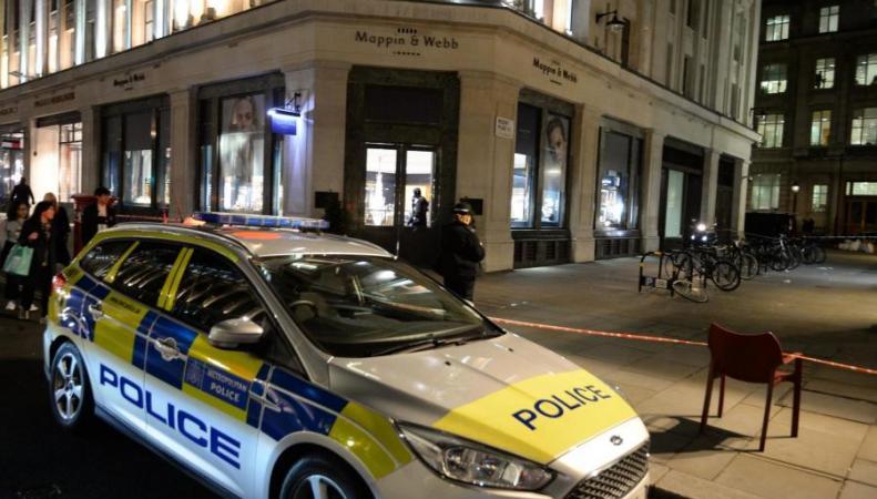 Смачете инабайках: встолице Англии банда ограбила ювелирный магазин