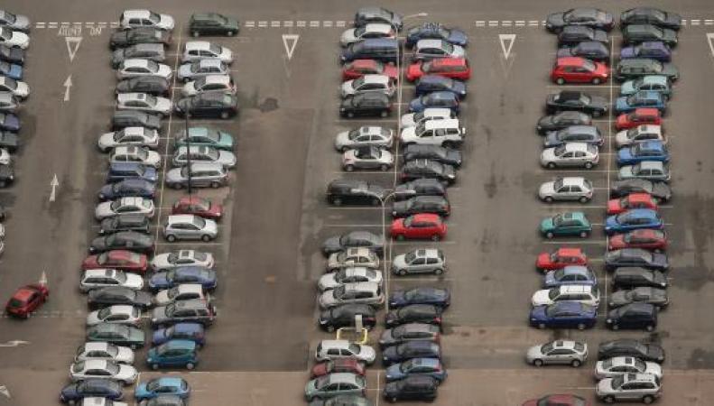 Путешественники не нашли своих автомобилей на парковке в аэропорту Гатвик