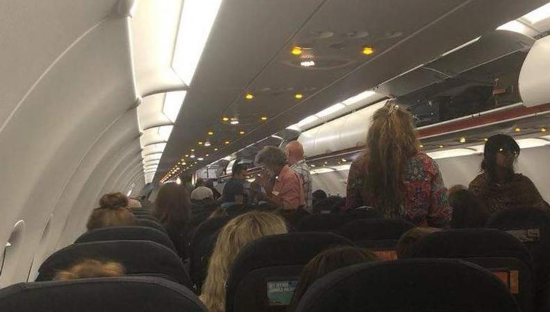 В аэропорту Гатвик  совершил аварийную посадку самолет British Airways