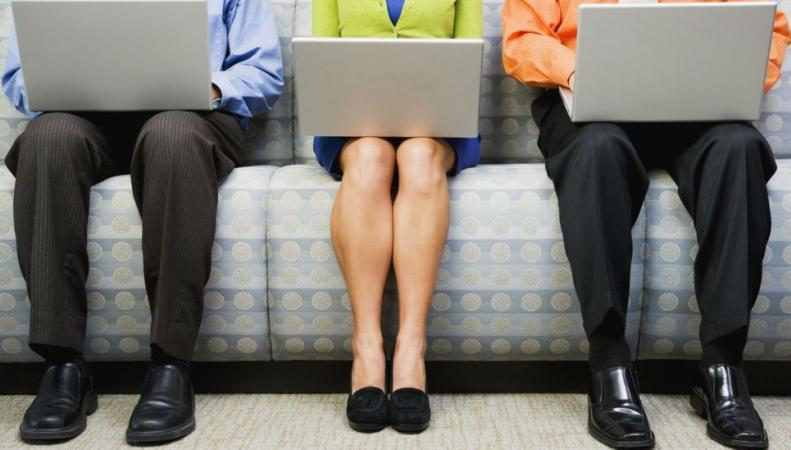 Гендерное неравенство зарплат в Великобритании сокращается на два с половиной пенса в год фото:bbc.com
