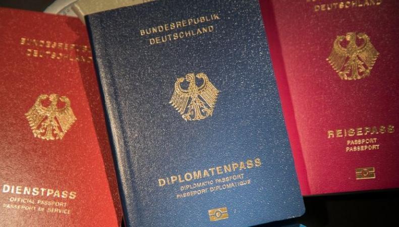 Рекордное число британцев подали заявления на получение гражданства ФРГ