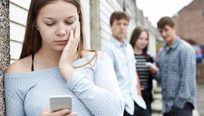 Британские подростки названы в числе самых несчастных детей в мире фото:dailymail