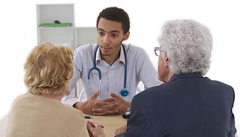 Тереза Мэй наложила вето на увеличение миграционных квот для иностранных врачей