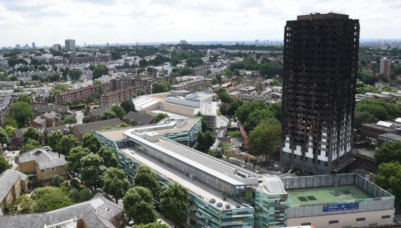 Сгоревшую высотку в Кенсингтоне накроют брезентом фото:independent.co.uk