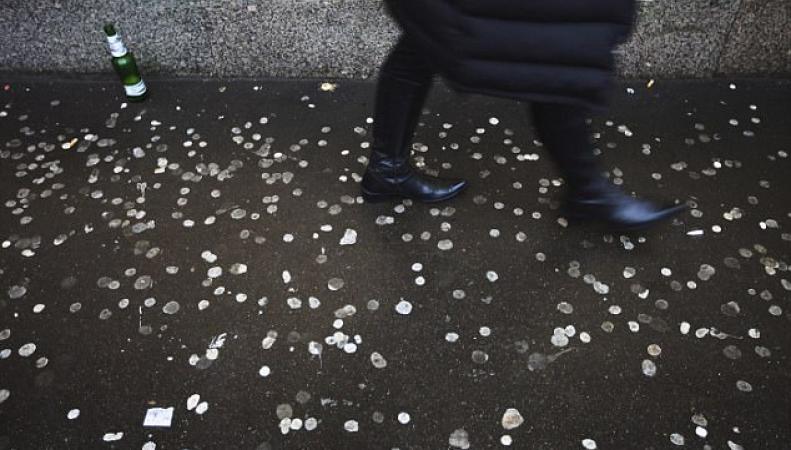 Производителей жевательной резинки в Великобритании заставят платить за уборку улиц фото:dailymail