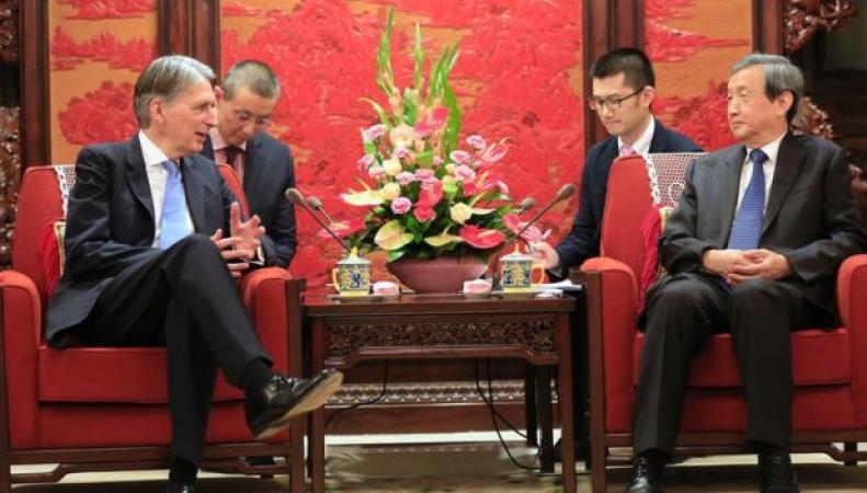 Великобритания откроет зону свободной торговли  с Китаем фото:bbc.com