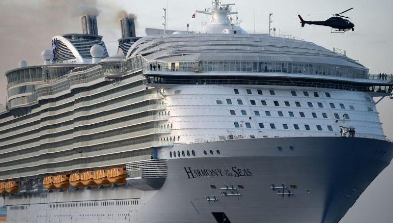 Трагедия на крупнейшем в мире британском круизном лайнере: один погиб, четверо в больнице фото:independent.co.uk