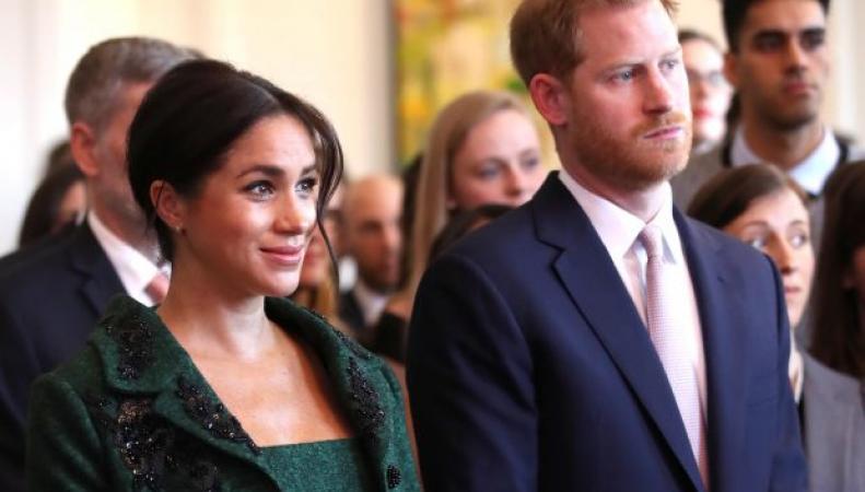 Букингемский дворец прокомментировал слухи о скором отъезде Гарри и Меган в Африку
