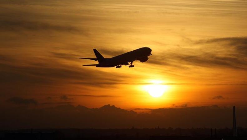 Хитроу закроет небо на ночь в обмен на право строительства третьей взлетной полосы  фото:theguardian.com