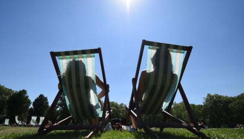 Британские синоптики пересмотрели прогноз погоды на ближайшие недели фото:independent.co.uk