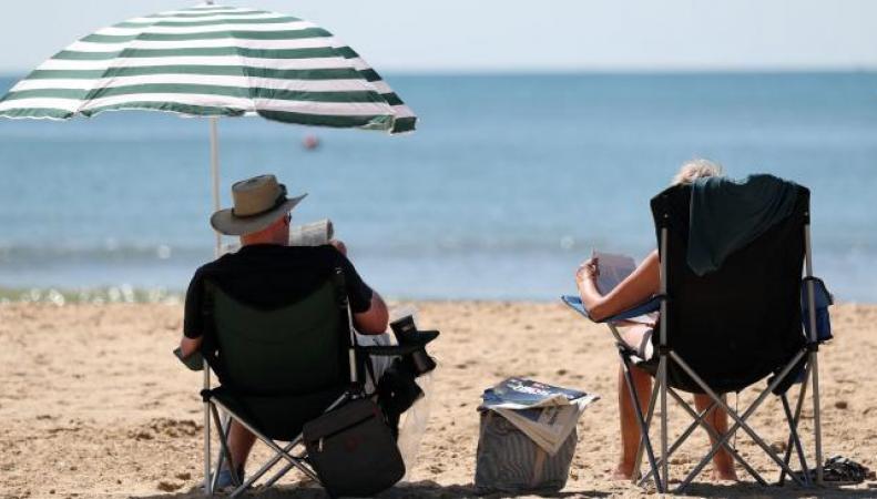 Британское метеобюро обещает кратковременную жару и грозы фото:bt.com