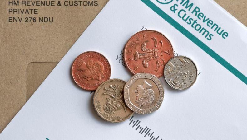 Тысячам британцев грозит штраф за незадекларированный доход от eBay и Airbnb  фото:thesun.co.uk