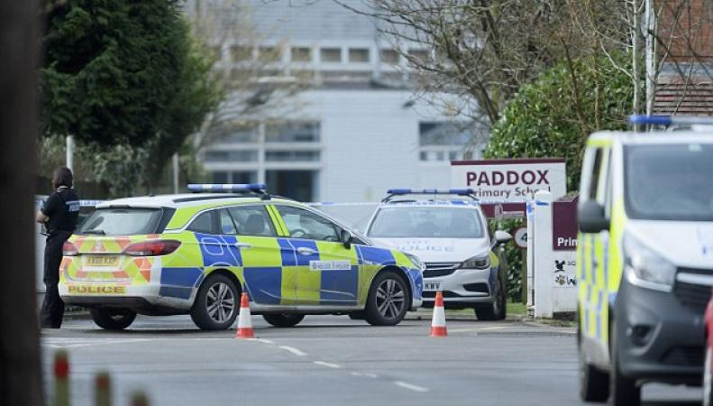 Ученики пятнадцати школ в Англии эвакуированы из-за сообщений о заложенной бомбе фото:dailymail.co.uk