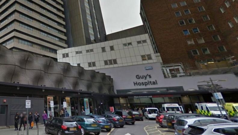 Нательные видеорегистраторы появятся в больницах Англии фото:bbc.com
