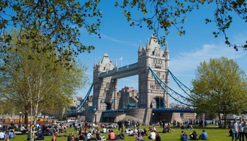 Жаркий день в Лондоне закончится грозой фото: independent.co.uk