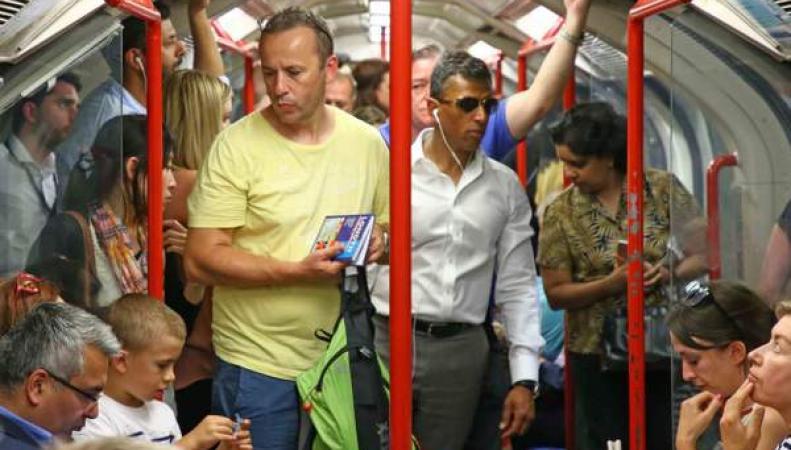 TfL не планирует оснащать кондиционерами самую душную линию лондонского метро