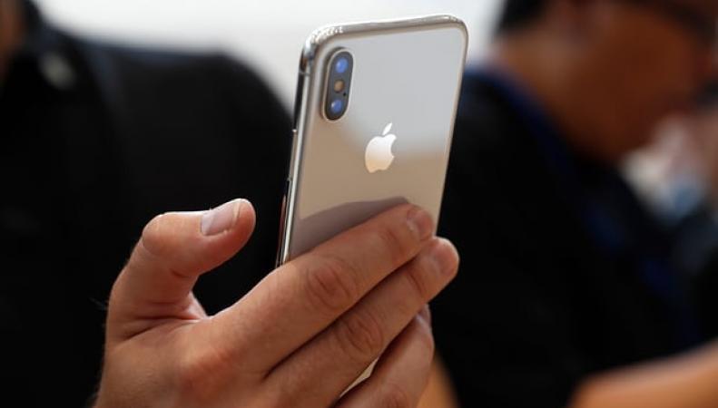 Apple установил паритет фунта стерлингов и доллара в ценах на свою продукцию