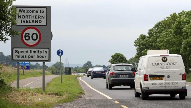 Тереза Мэй оставит открытым запасной вход в Евросоюз через Ирландию фото:theguardian.com
