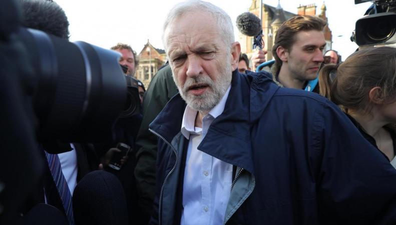 Джереми Корбин намерен «завершить работу» после поражения лейбористов в Коупленде фото:standard.co.uk