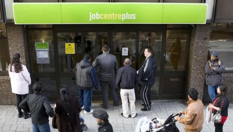 Британский рынок занятости в свободном падении после Brexit фото:ft.com