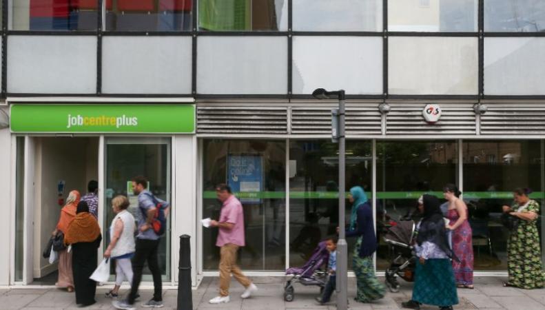 Великобритания остается лучшим рынком труда в Европе фото:yahoo