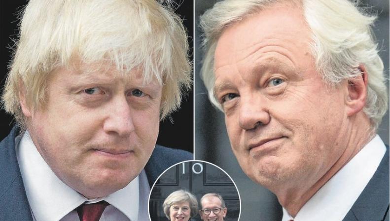Сенсации нового кабинета министров: Джонсон снова в центре внимания фото:express.co.uk