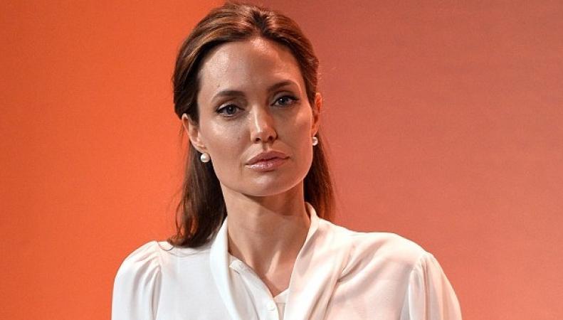 Анджелина Джоли переедет в Англию ради карьеры в политике фото:dailymail.co.uk